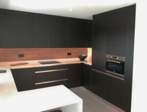 Obras de reforma apartamento en Estepona por Aragon Constructores