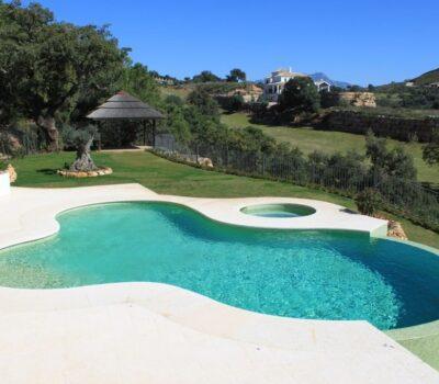 Nuestraempresa deconstrucciónrealizó una reforma integral de esta villa de en Los Monteros, Marbella