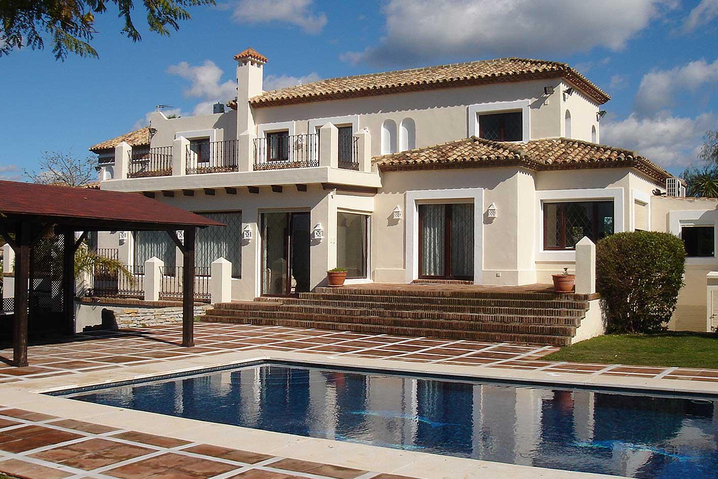 Villa de lujo desarrollada por nuestra constructora en Estepona